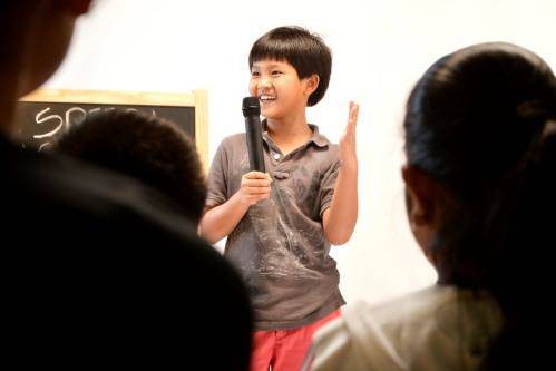 children-speaking-confidently